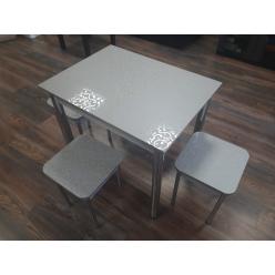 Стол с пластиком
